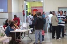 La participación a las 13.00 horas en las elecciones catalanas es del 34,69 por ciento, un 0,41 por ciento menos que en 2015.