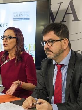 La vicepresidenta de la Diputació, Maria Josep Amigó, y el diputado Emili Altur presentan las ayudas de Patrimonio.