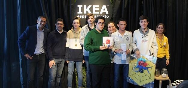 Los premiados de la categoria Sub-16 junto a Sebastian Santaella, Román Beltrán, Macarena Ruiz y Carmen Spinola.
