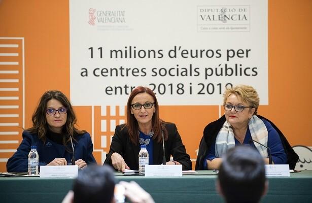 Mónica Oltra, Maria Josep Amigó y Mercedes Berenguer durante la presentación de la colaboración en infraestructuras sociales.