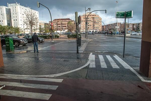 Movilidad Sostenible corrige el trazado del viejo carril bici del final de Blasco Ibáñez.