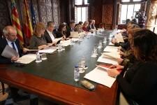 Puig destaca que el diálogo social y la estabilidad política hacen posible 'un crecimiento por encima de la media española'.