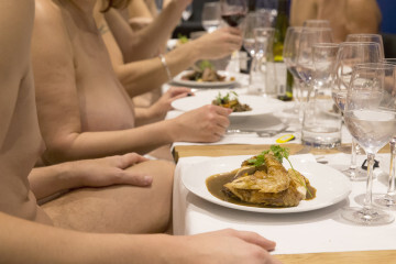 FRANCE-LIFESTYLE-RESTAURANT-NUDE