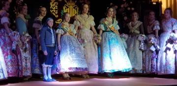 Solemne acto de Presentación exaltacion de las Falleras Mayores de la falla de la Mercé 20171202_204659 (23)