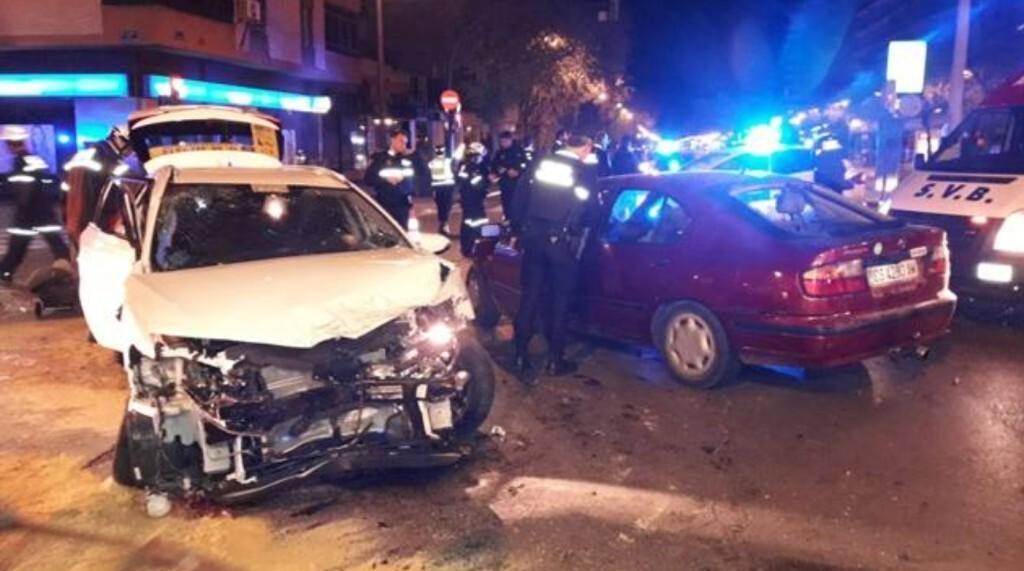 Un conductor ebrio causó dos accidentes de tráfico con cinco heridos en la Gran Vía de Germanías (1)