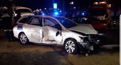 Un conductor ebrio causó dos accidentes de tráfico con cinco heridos en la Gran Vía de Germanías (2)