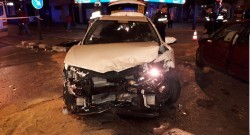 Un conductor ebrio causó dos accidentes de tráfico con cinco heridos en la Gran Vía de Germanías (3)