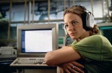 """Jodie Foster dio vida a Eleanor """"Ellie"""" Arroway, una científica que encuentra pruebas de vida extraterrestre. / Warner Bros"""