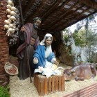 Xavier Herrero crea y restaura las figuras del Belén más grande de España que se inauguró ayer en Xàtiva