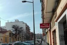 El Ayuntamiento renueva el alumbrado público en los barrios de la Creu Coberta, l'Hort de Senabre y la Raïosa.