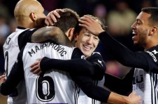 El Valencia vence a Las Palmas y se mete en cuartos de la Copa (4-0).