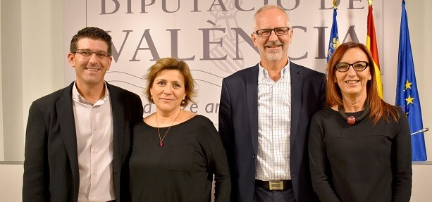 Jorge Rodríguez y Mª Josep Amigó con los gerentes de Divalterra.