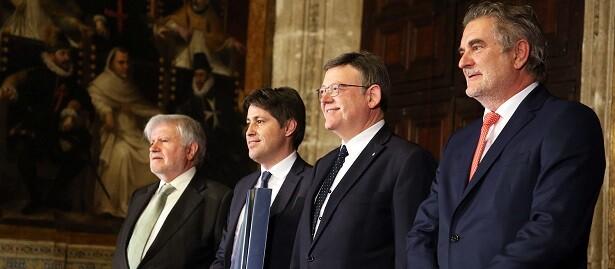 Puig en el acto de entrega a la entidad Societat Civil Catalana del XXVI Premio de Convivencia, galardón que otorga anualmente la Fundación Manuel Broseta.