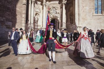 Salida de San Vicente Mártir con la Real Senyera de la Catedral de Valencia