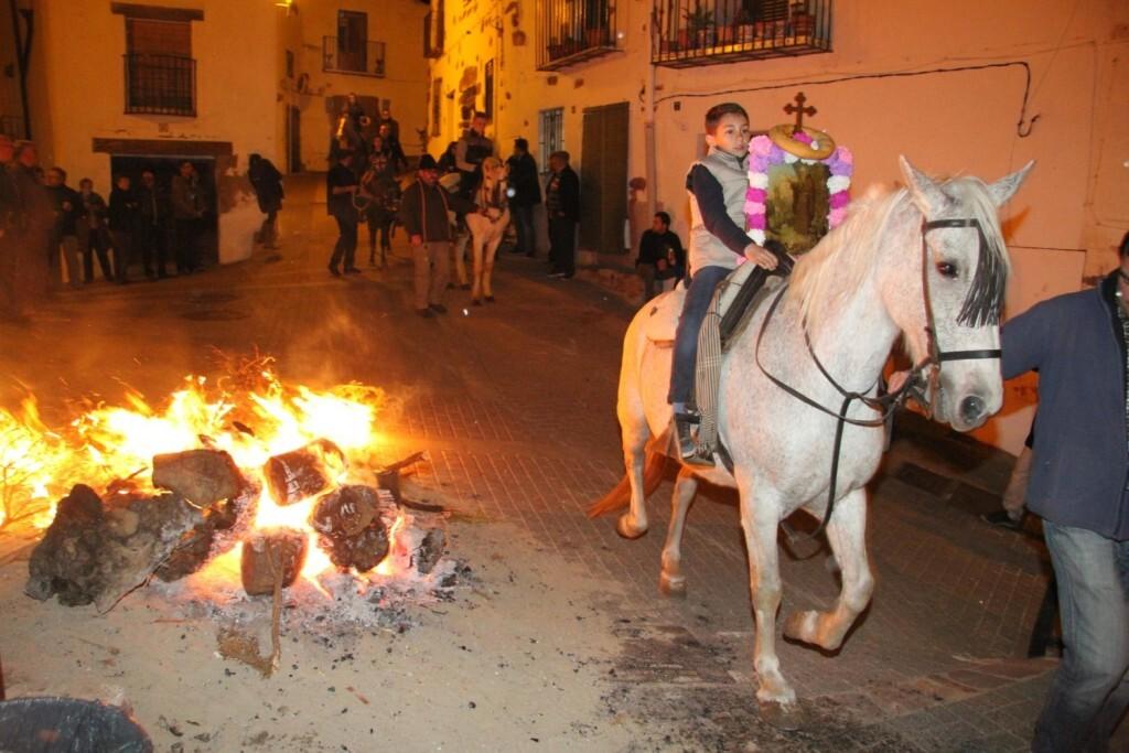 Vilafamés celebra un multitudinari Sant Antoni (5)