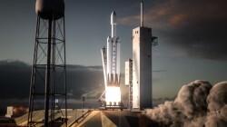 Elon Musk prepara el lanzamiento del cohete más poderoso desde que el hombre llegó a la Luna