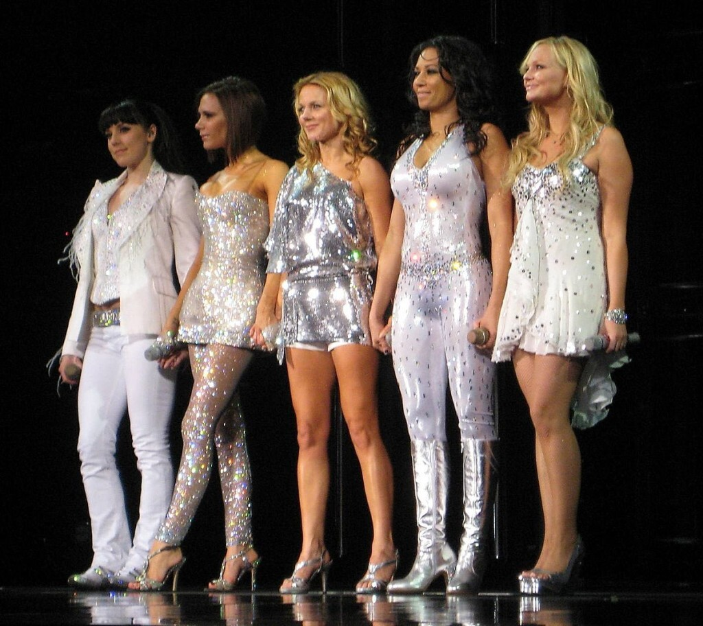 1200px-Spice_Girls_in_Toronto,_Ontario
