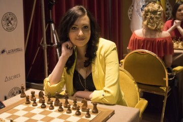 Cecile Haussernot Women Chess Stars_14