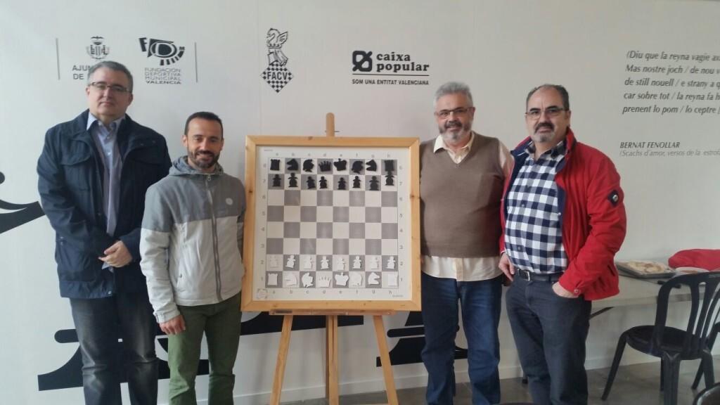 Luis Barona (Vicepresidente de la FACV), Juan Catalán (C.E. Samarucs), Basilio López (Club Organizador) y Francisco Cuevas en una foto oficial de la edición de 2016.