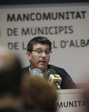 Jorge Rodríguez junto al diputado de Hacienda Toni Gaspar durante su visita a Ontinyent.