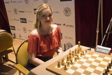 Laura Unuk Women Chess Stars_8 (3)