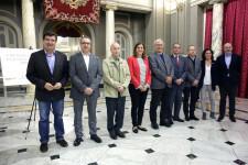 VALENCIA  2018-03-26 L'alcalde de València, Joan Ribó, acompanyat de la regidora de Desenvolupament Econòmic, Sandra Gómez, participa en la signatura del VI Pacte per l'Ocupació de la ciutat de València. Saló de Cristall.