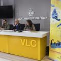 """L'alcalde de València, Joan Ribó, i la regidora d'Acció Cultural, Maria Oliver, presenten en roda de premsa el Festival Internacional de Circ de València """"Contorsions"""" foto Jose Jordan"""