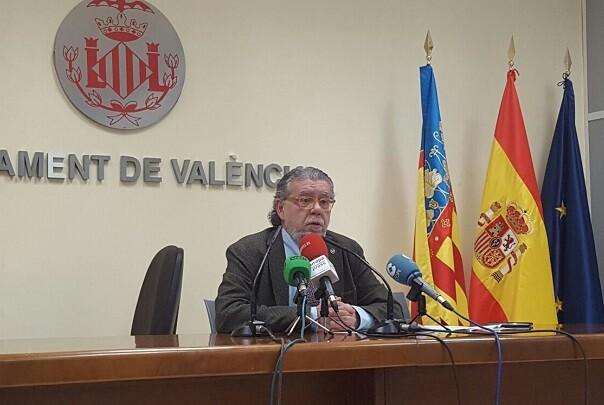 El-concejal-de-Hacienda-presentará-al-Pleno-una-moción-referida-a-la-sentencia-del-Tribunal-Constitucional-sobre-el-impuesto-de-plusvalías.-Ramón-Vilar. (1)