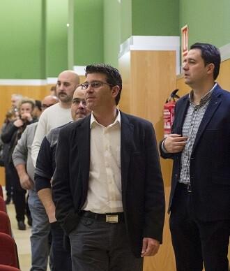 El presidente de la Diputació Jorge Rodríguez junto al alcalde de Montaverner, Juli Juan Soriano, y el secretario-interventor Lucas Gieure Sastre.