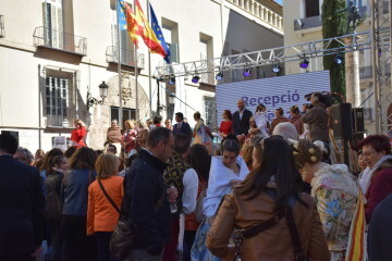 La Diputació de València celebra su tradicional recepción fallera (16)
