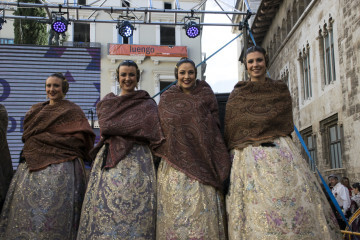 La Diputació de València celebra su tradicional recepción fallera (3)