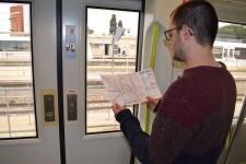 Metrovalencia distribuye 25.000 folletos en Fallas con recomendaciones para las personas usuarias.