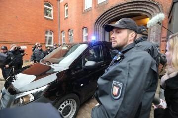 Puigdemont sale de declarar en Alemania