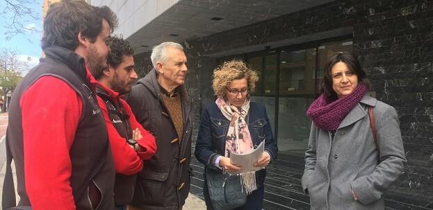 Rosa Pérez Garijo, Amelia Hernández, Miguel Mezquida y Javier Iglesias durante la comparecencia en los juzgados de Paterna.