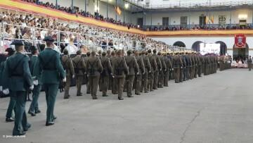 XXX edición de la Falla de las Fuerzas Armadas y Guardia Civil . (114)