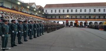 XXX edición de la Falla de las Fuerzas Armadas y Guardia Civil . (115)