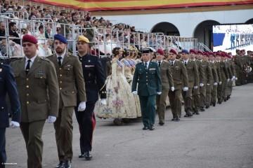 XXX edición de la Falla de las Fuerzas Armadas y Guardia Civil . (44)