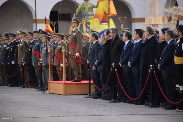 XXX edición de la Falla de las Fuerzas Armadas y Guardia Civil . (69)