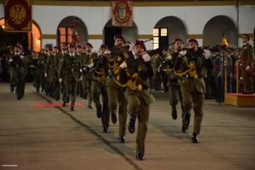 XXX edición de la Falla de las Fuerzas Armadas y Guardia Civil . (89)