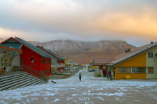 longyearbyen-sunset