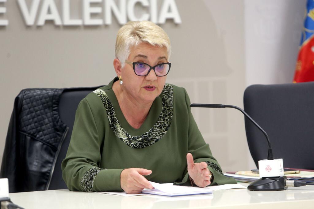VALENCIA  2018-04-18 La regidora de Servicis Socials, Consol Castillo, presenta en roda de premsa les actuacions realitzades al barri d'Orriols. Sala de premsa municipal.