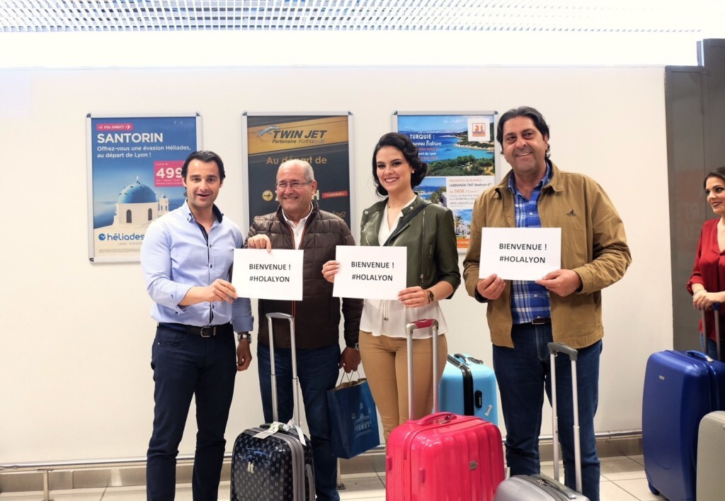 042018 Recepcion Belleas Aeropuerto Lyon