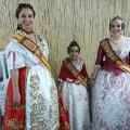 Carla i Melani amb la reina de les Festes de la Primavera