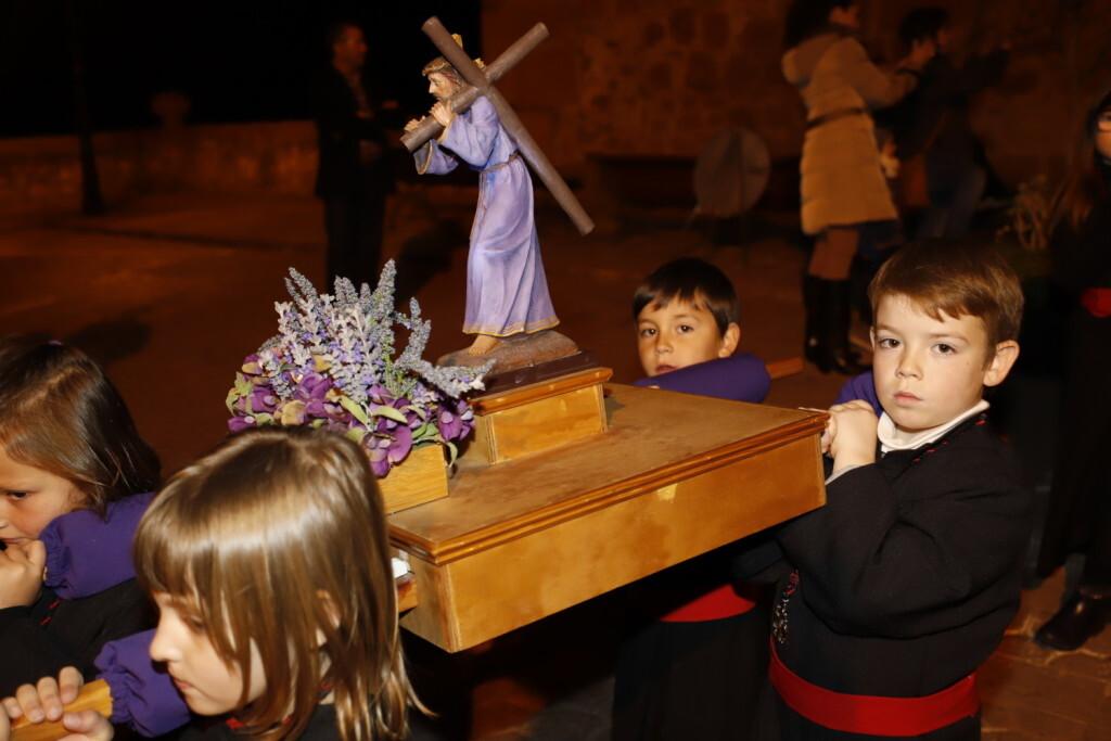 Devoción y fe marcan el Viernes Santo en Vilafamés (2)