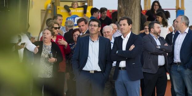 Jorge Rodríguez durante su visita a La Granja de la Costera.