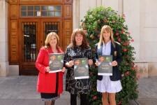 La concejala de Consumo, Mary Carmen Ribera, junto a Luisa Chornet y Pilar Esquer. (1)