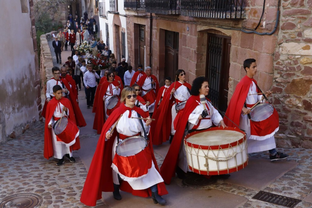 La procesión del Encuentro cierra la Semana Santa en Vilafamés (1)