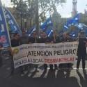 Manifestación de policíaslocales y bomberos por la falta de plantilla y la situaciónde la seguridad en la ciudad