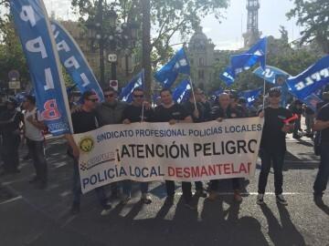 ManifestaciÓn de policíaslocales y bomberos por la falta de plantilla y la situaciónde la seguridad en la ciudad (2)