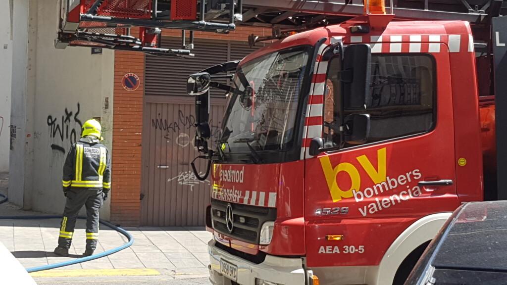 bomberos incendio avenida visitación de Valencia (3)